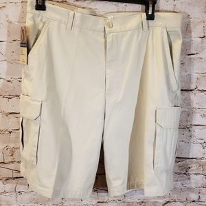 NWT Dockers Men's 36 waist cargo shorts